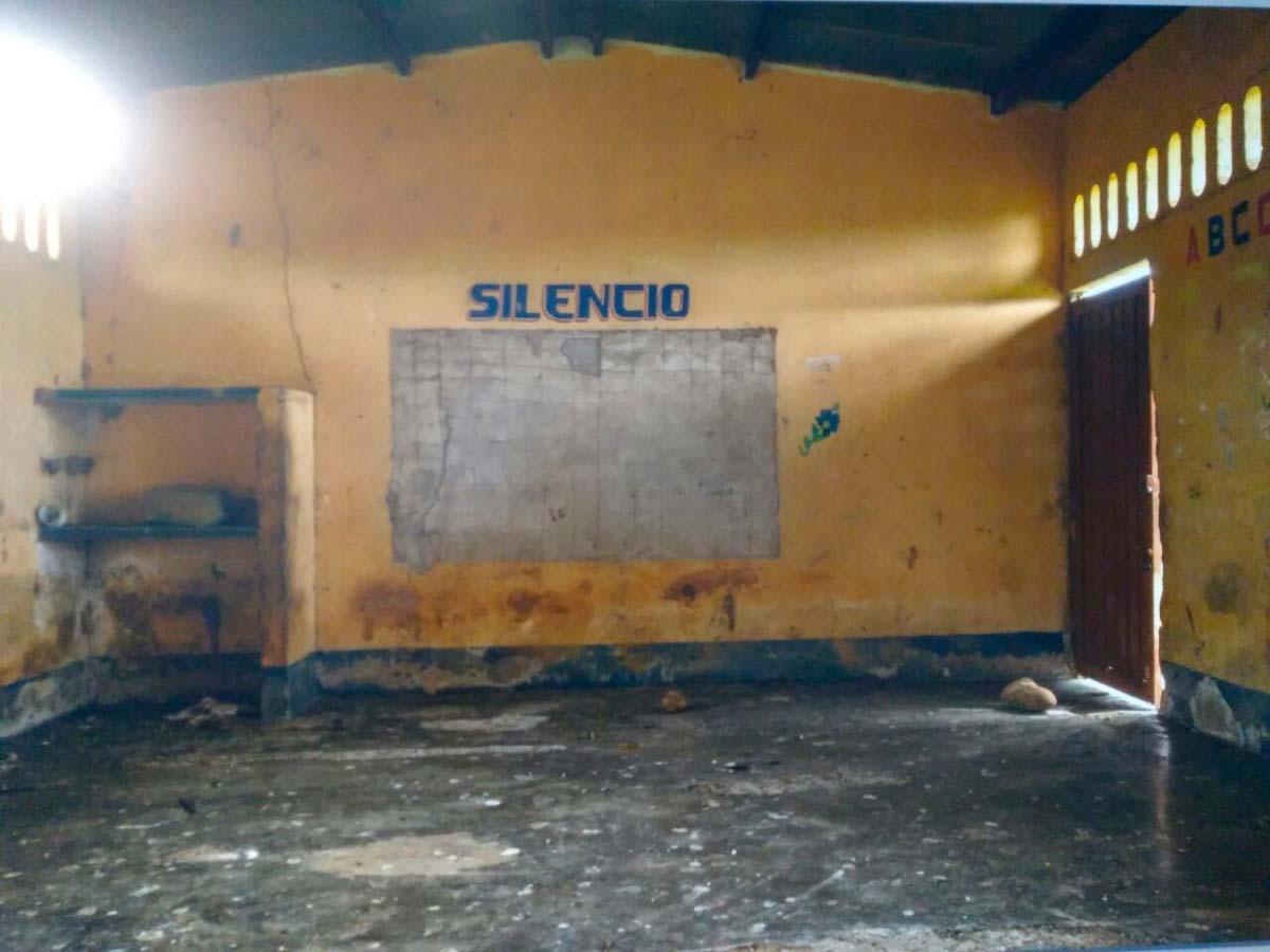 silencio-escula-abandonada-obra-obra-rios-y-silencios-udenar-periodico